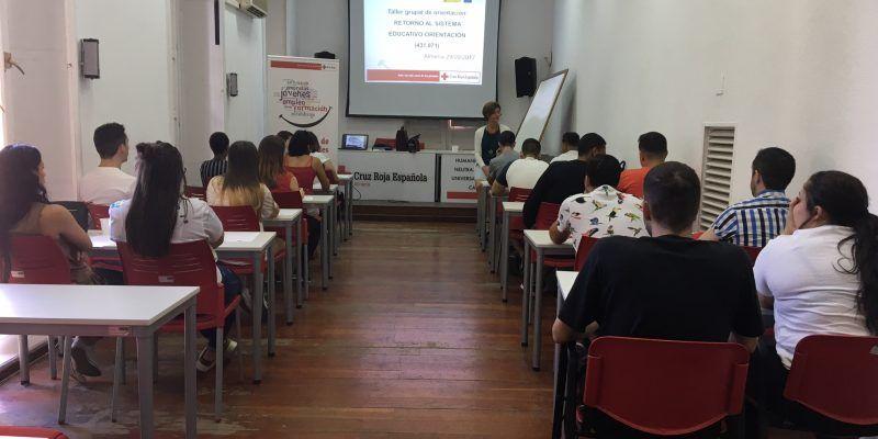 Delegación Territorial de Educación en Almería y el Plan de Empleo de Cruz Roja, unidos por el Retorno Educativo.
