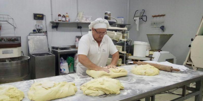 Emblemática empresa panadera de la provincia de Almería, abre sus puertas al Plan de Empleo de Cruz Roja.