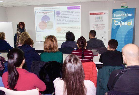 Fundación Cajasol y el Plan de Empleo de Cruz Roja en Huelva, alianza por la diversidad.